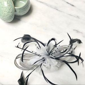 Fascinator Hair Comb Grey, Black & White Feathers
